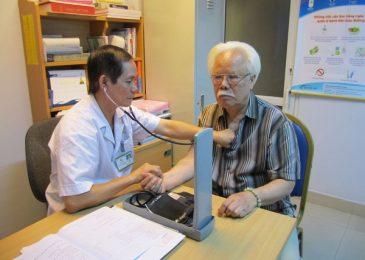 Chắm sóc sức khỏe người cao tuổi dựa vào kiểm tra sức khỏe định kỳ