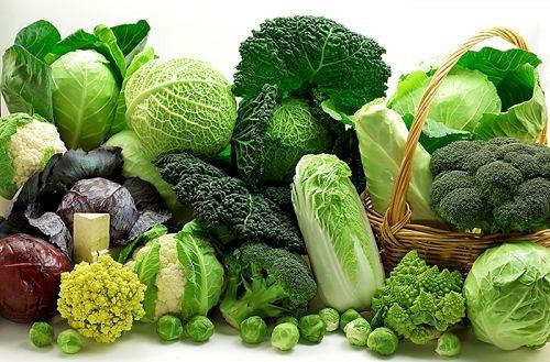 rau xanh chứa nhiều sắt